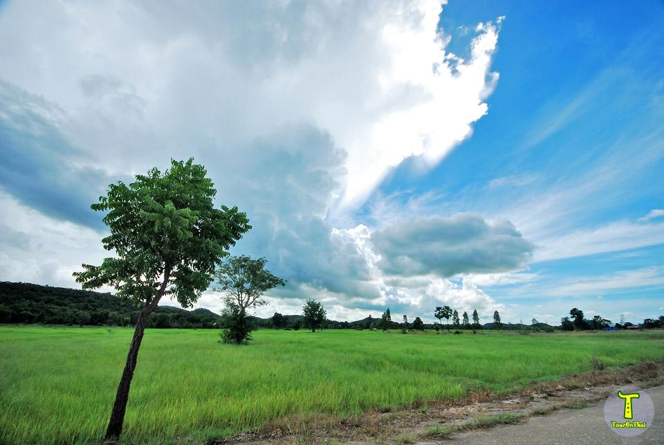 การเดินทางสู่หมู่บ้านน้ำพุ