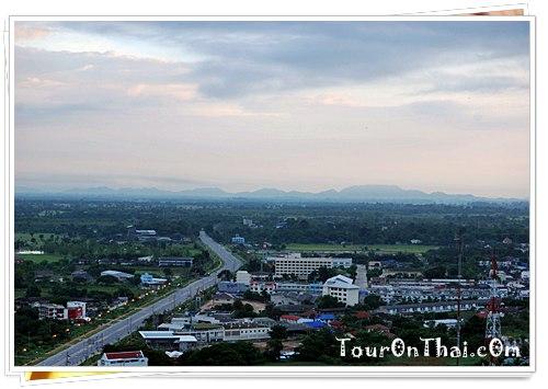 เมืองอุทัยธานียามฟ้าสาง