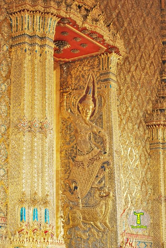 ช่องหน้าต่างด้านข้างพระอุโบสถ