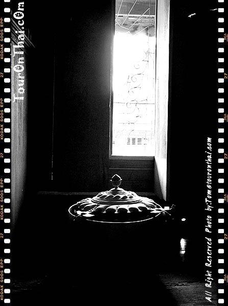 หน้าต่างช่องหนึ่งของบ้าน