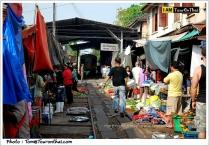 ตลาดร่มหุบ (ตลาดรถไฟ)