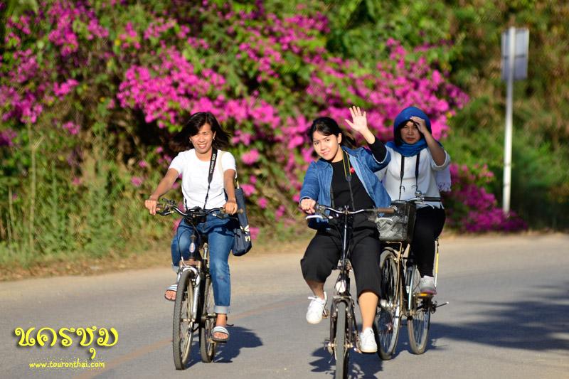 ปั่นจักรยานชมหมู่บ้าน