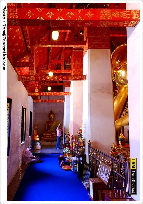 ภายในวิหารพระพุทธไสยาสน์