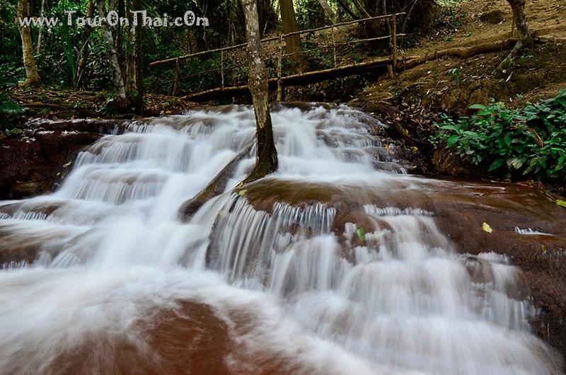 น้ำตกป่าหวาย