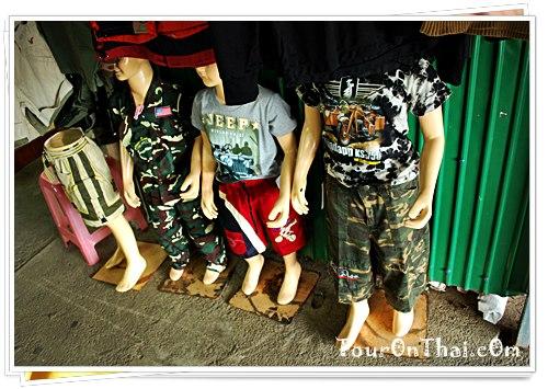 เสื้อผ้าลายทหารสำหรับเด็ก