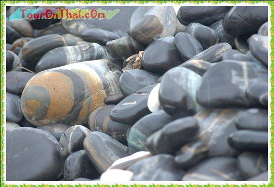 ลวดลายของหินบนเกาะหินงาม
