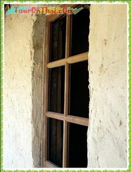 หน้าต่างกุฎิดิน