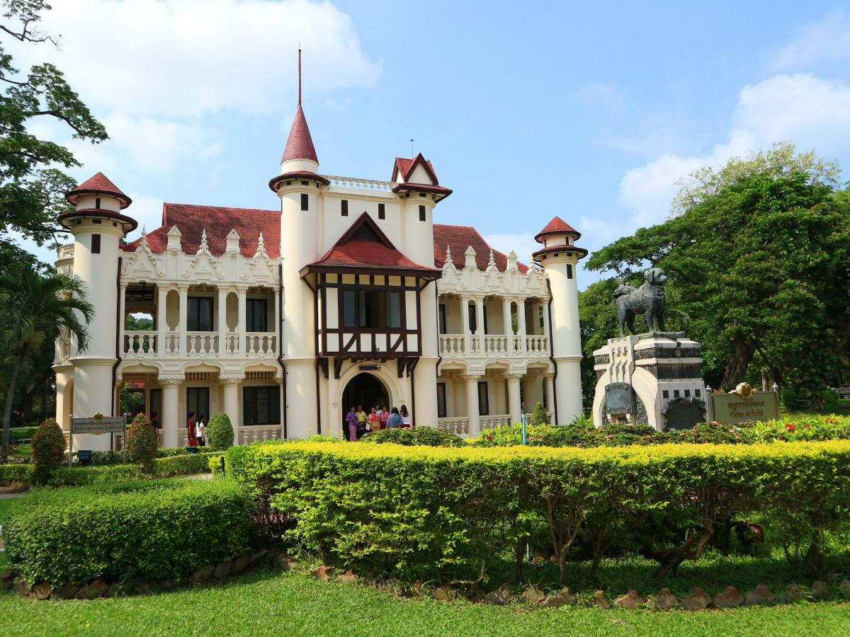 Sanam Chandra Palace
